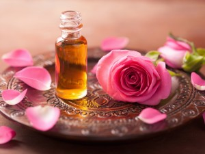 rose-flower-and-essential-oil